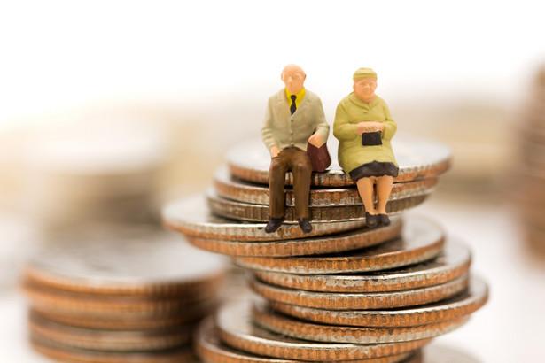 Na dorabianie decyduje się coraz więcej emerytów