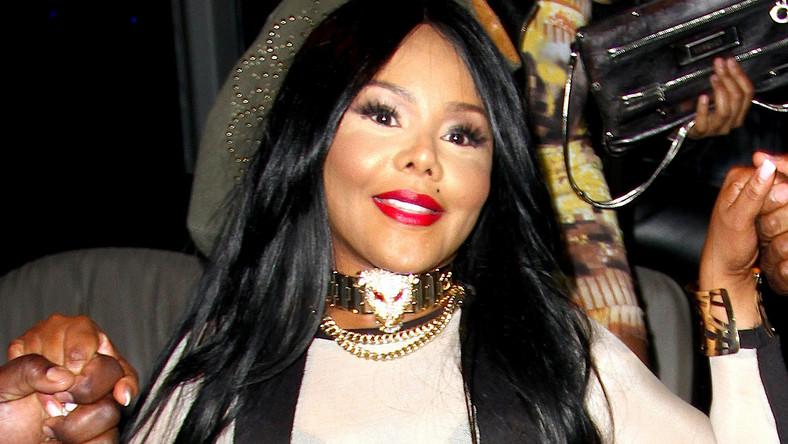 Lawina komentarzy zalała fora i portale internetowe, które opublikowały najnowsze zdjęcia amerykańskiej raperki Lil'Kim