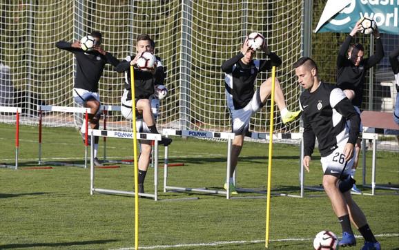 Fudbaleri Partizana na prvom trening pod komandom Save Miloševića