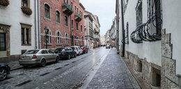 Kraków w czerwonej strefie. Puste ulice i rynek