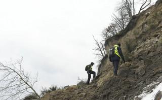 Gdynia: Zakończono sprawdzanie osuwiska klifu. Psy nie natrafiły na ślad ludzi