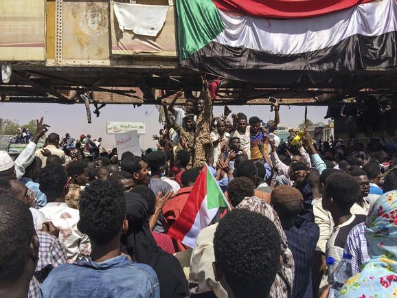 Sudanci ne odustaju od civilne vlade