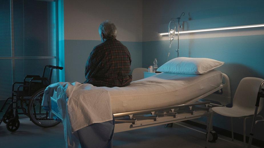 Opieka paliatywna, dla seniorów przewlekle chorych brak miejsc
