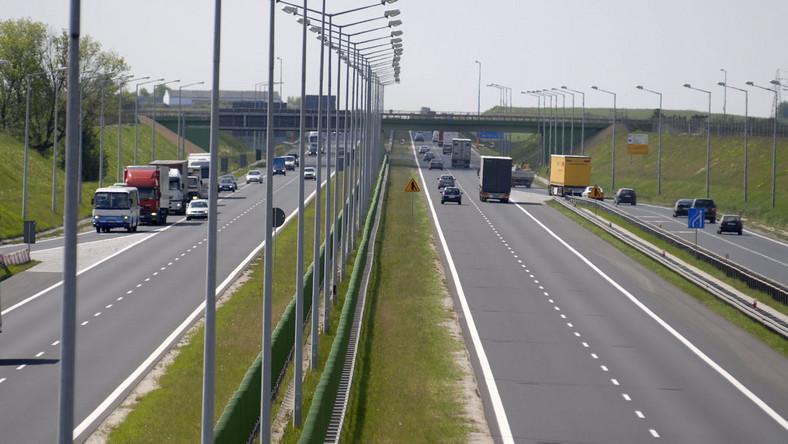 Autostrada rośnie na podejrzanych pyłach