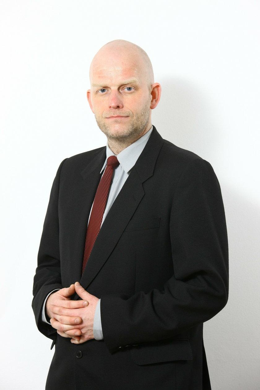 Dr Wojciech Jabłoński szokuje. Czy robi to dla celów naukowo-badawczych?
