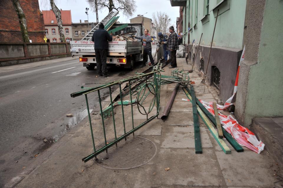 Szczecin: dwa balkony zarwały się w poniemieckim budynku