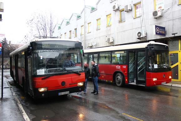 Autobusi sa