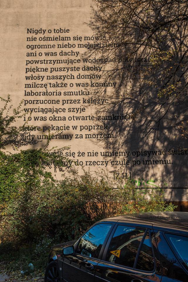 Poezja Ozdobiła Kamienice Na Rynku łazarskim