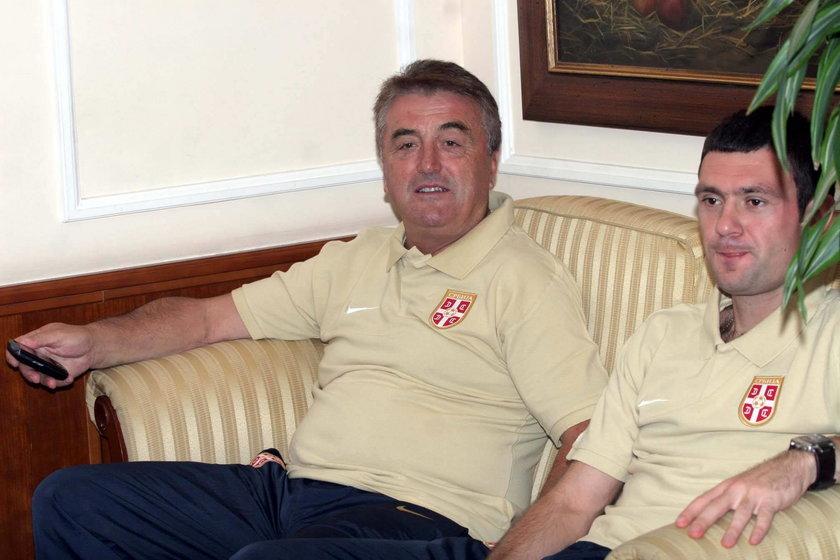ogić miał się od kogo uczyć trenerskiego fachu, bo w reprezentacji Serbii, a później w dwóch chińskich klubach był asystentem Radomira Anticia