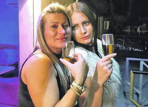 Snežana Nikolić i njena ćerka Ana