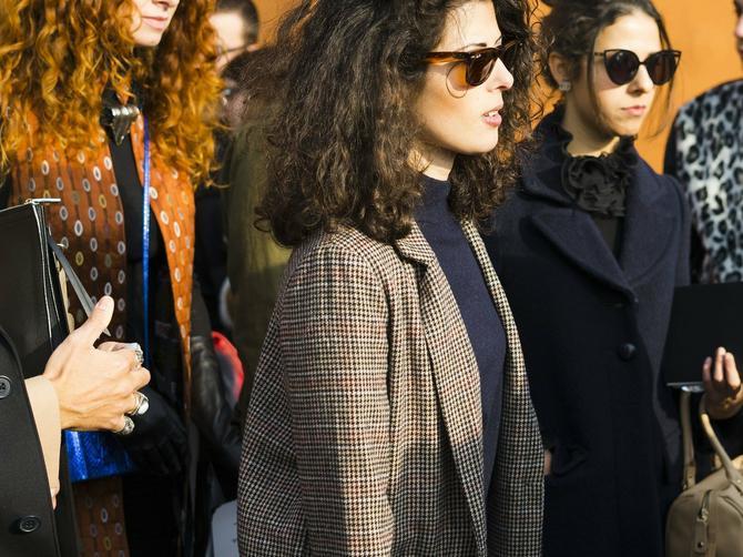Sve Srpkinje sa stilom obožavaju OVU trendi krpicu, a košta samo 1.000 dinara! I nose je sve poznate ZVEZDE
