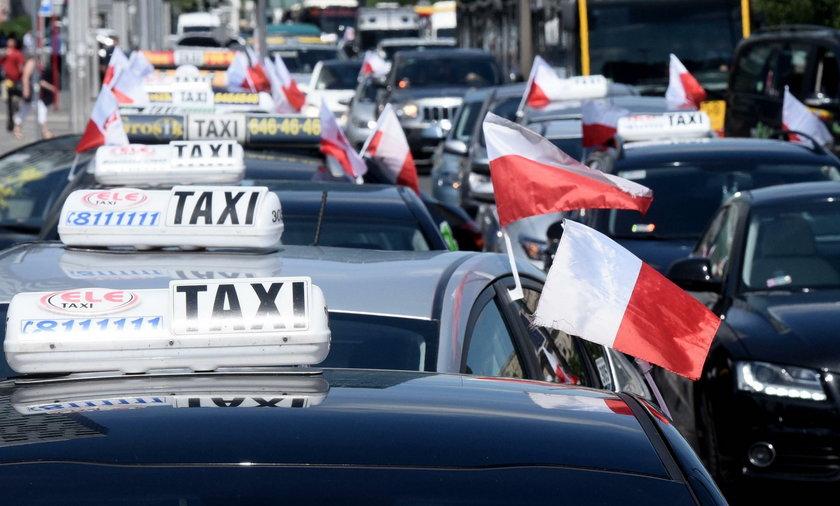 Protest taksówkarzy w Warszawie. Uwaga na utrudnienia!