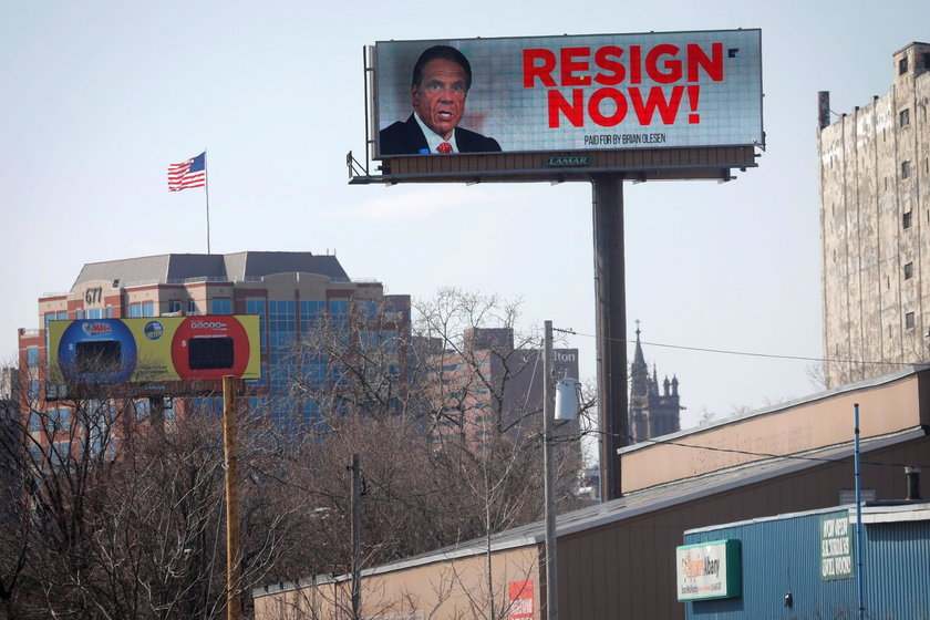 """Electronic billboard displays message for New York Governor Andrew Cuomo to """"Resign Now"""" in Albany"""