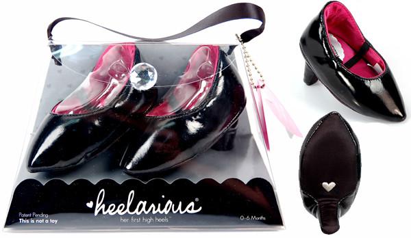 Czarne z różowym środkiem to propozycja dla małych elegantek