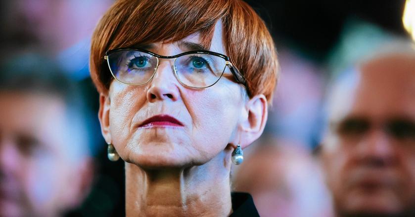 Elżbieta Rafalska, minister pracy, rodziny i polityki społecznej, przestrzega, że emerytury będą wypłacane z uzbieranych przez lata składek. Wyjątek? Osoby, które uzyskają minimalny staż pracy