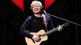 Ed Sheeran śpiewa świąteczny przebój