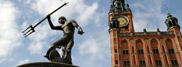 Fontanna Neptuna Jeden z najbardziej rozpoznawalnych symboli Gdańska. Znajduje się na Długim Targu, przed wejściem do Dworu Artusa.