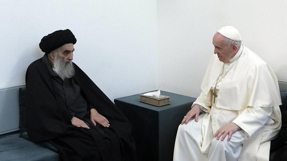 Papież podczas spotkania z Sistanim, 6.03.2021 r.