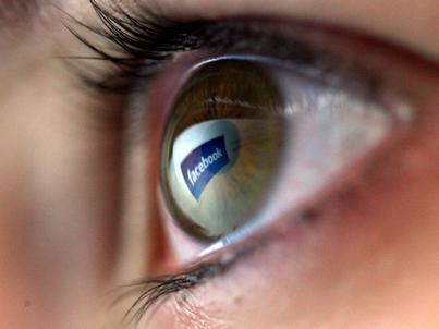 Fałszywe tożamości można znaleźć m.in. na Facebooku. Ale ich wykrycie jest bardzo trudne