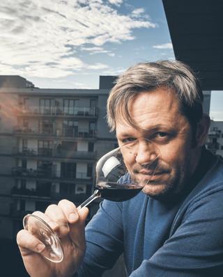 Prange-Barczyński: Sporą częścią ceny szampana jest koszt marketingu [WYWIAD]