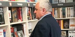 Przyjaciel Kaczyńskiego przyłapany. Co takiego oglądał?