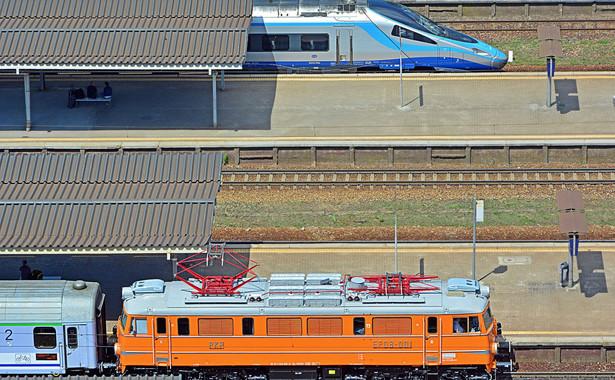 Pendolino i pociąg starego typu