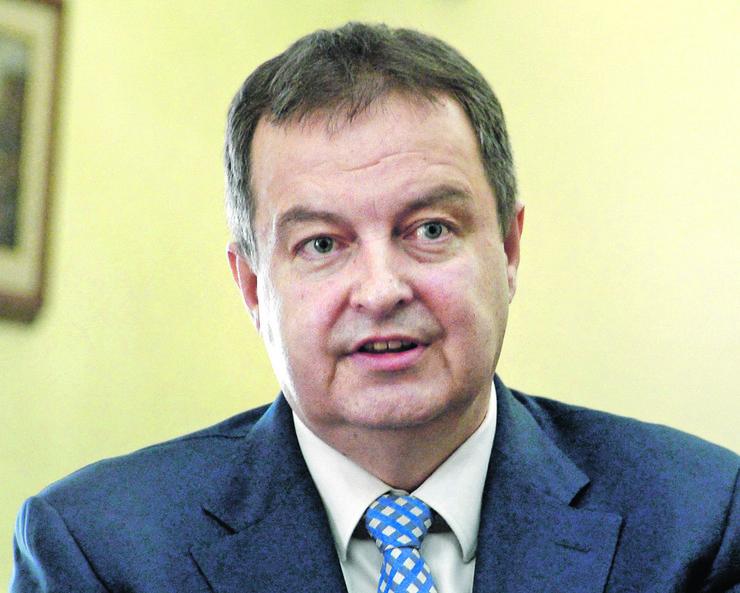 """""""Čitav jedan sprat u Ševeningenu se prazni, gde bi trebalo da bude 12 ćelija za potrebe Specijalnog suda za zločine OVK"""", kaže Ivica Dačić"""