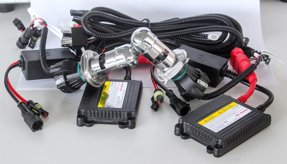 Комплект HID H4 (разгрузочные горелки) цена 140 зл / комплект