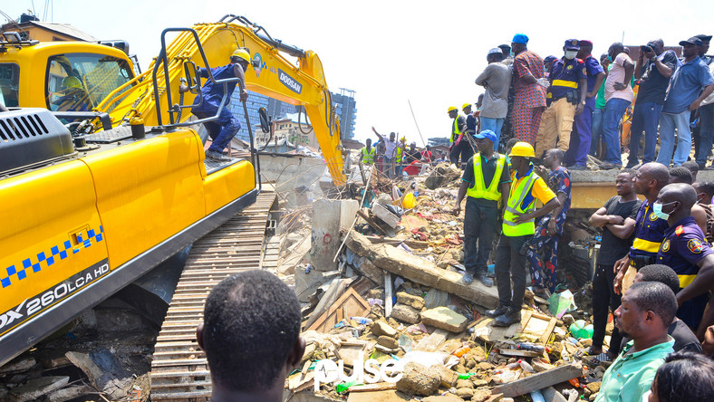 The collapse of a building in Lagos that caused the death of at least 18 people has put the spotlight on  weak houses already marked for demolition in the state