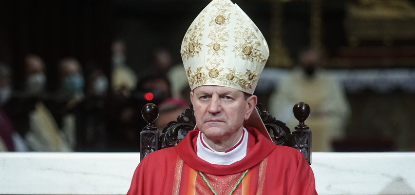 Duchowny uważa, że księża powinni uczyć młodzież o seksualności