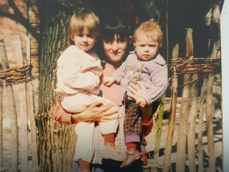 Maja i Rada sa majkom