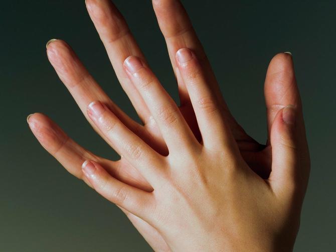 Da li je vaš dlan KRATAK ili DUG? Evo šta to otkriva o vama