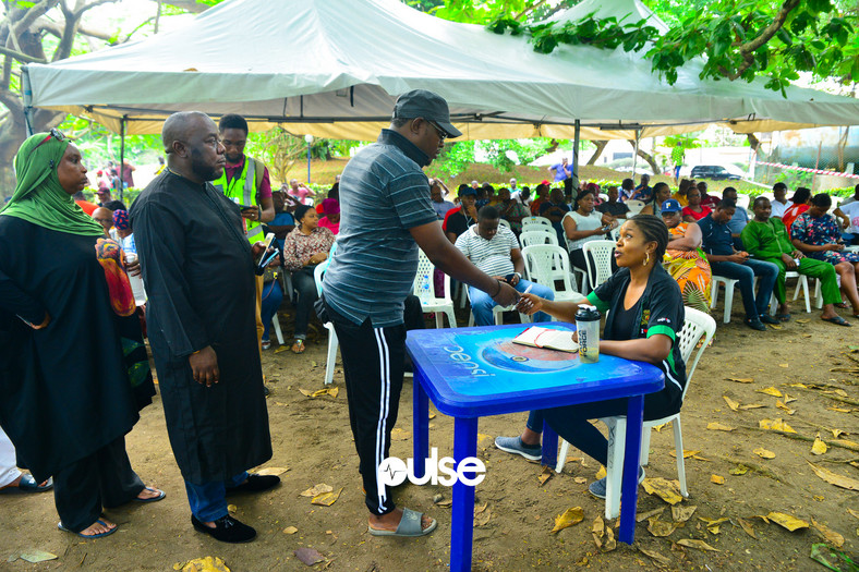 Nollywood actress Omoni Oboli who served as INEC official accrediting voters (Pulse)