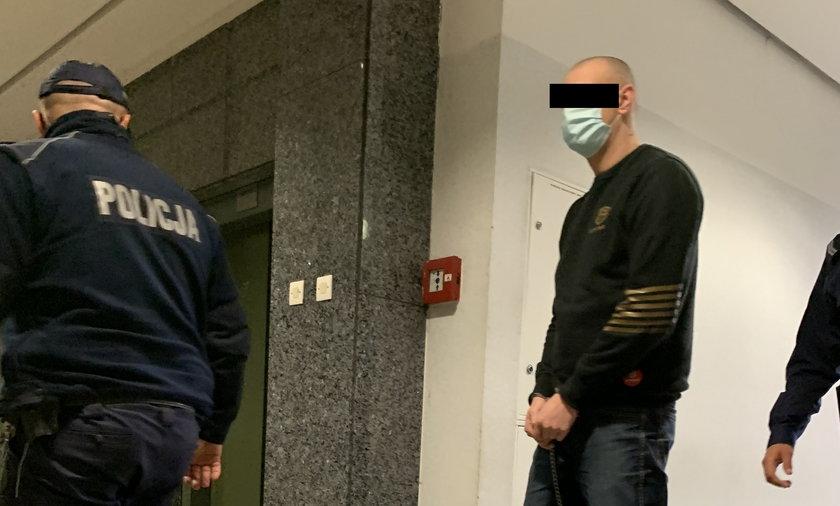 Jeden z oskarżonych - 34-letni Łukasz C. Według śledczych, to on miał się wykazywać największą agresją.