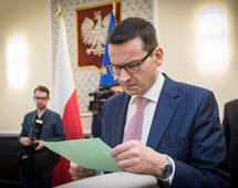 Mateusz Morawiecki szacuje, że deficyt budżetowy będzie niższy niż zakładano w budżecie
