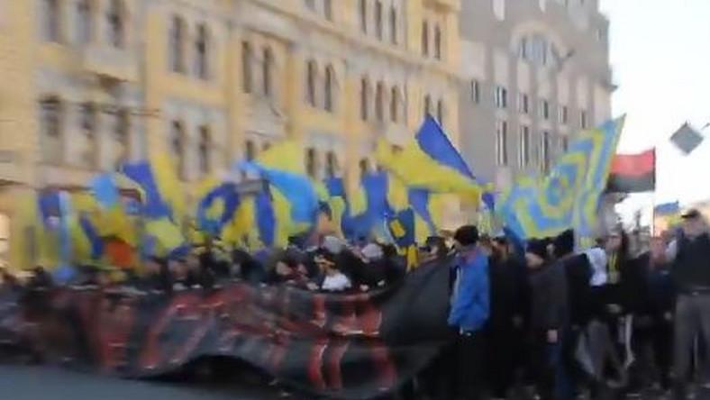 Ukraińscy kibice śpiewają o Putinie