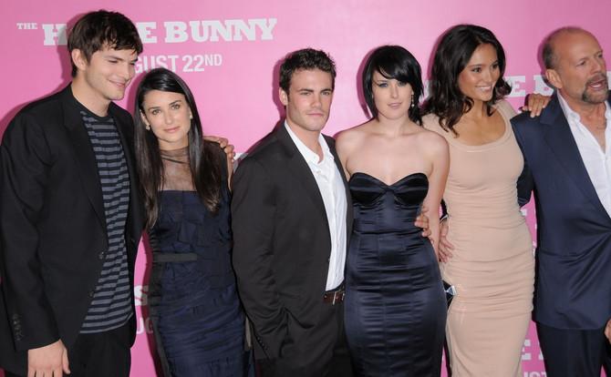 Sa porodicom je i bivši muž Demi Mur Ešton Kučer