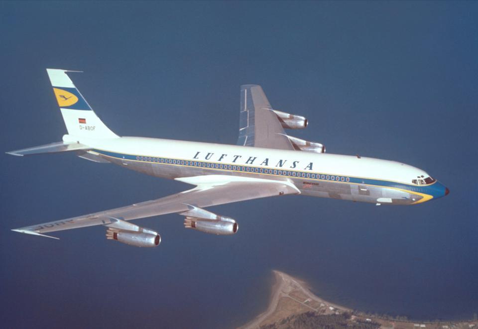 Boeing 707-430 Lufthansy. Zdjęcie z 1960 roku