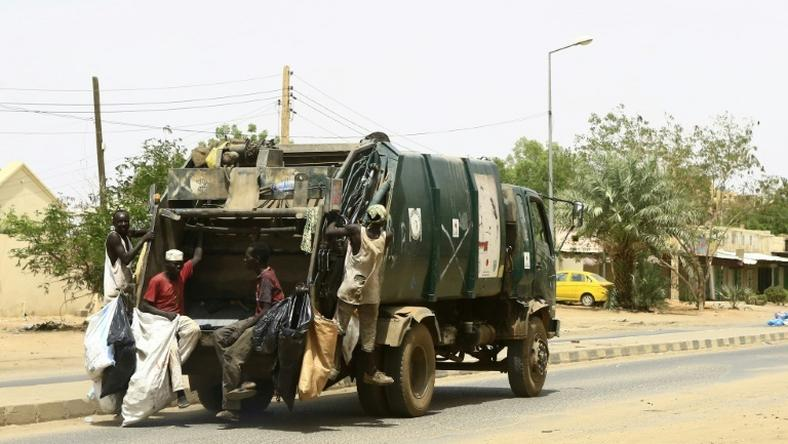 Garbage lorries and street sweepers returned to Sudan's capital on Wednesday, after a three-day civil disobedience campaign