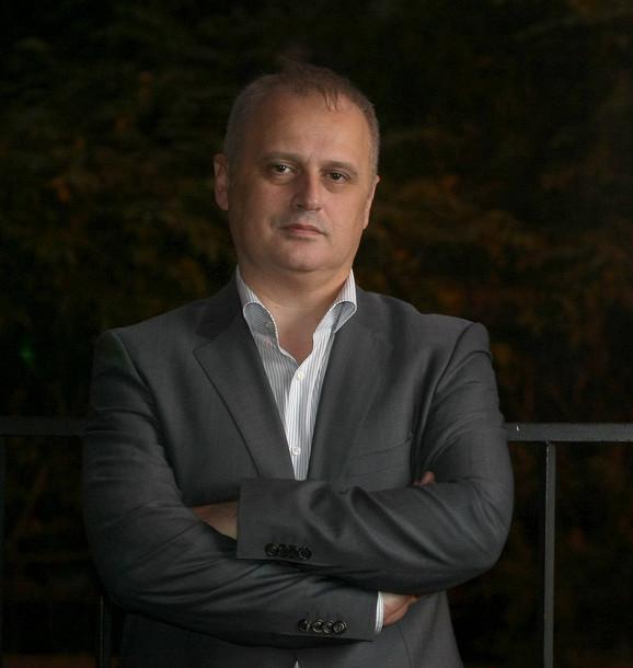 Gradski menadžer Goran Vesić najavljuje smanjenje cena prevoza