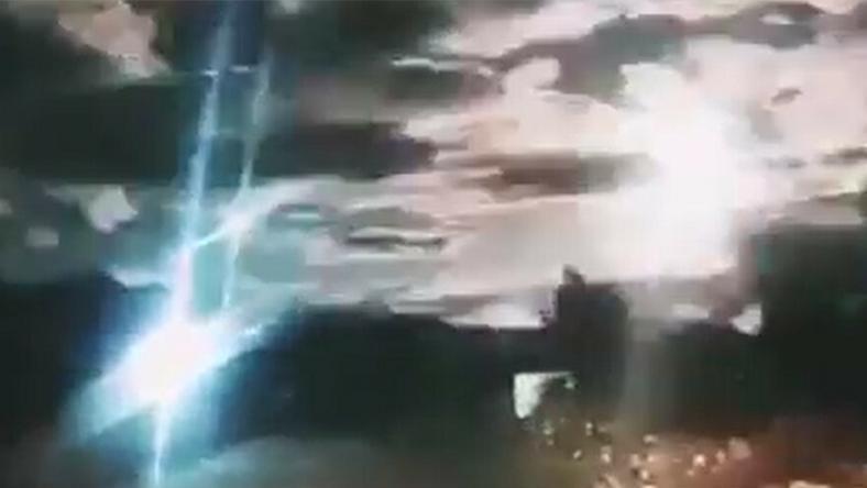 Chiny: Niesamowity wideok na niebie. Uchwycono przelot wielkiego meteoru