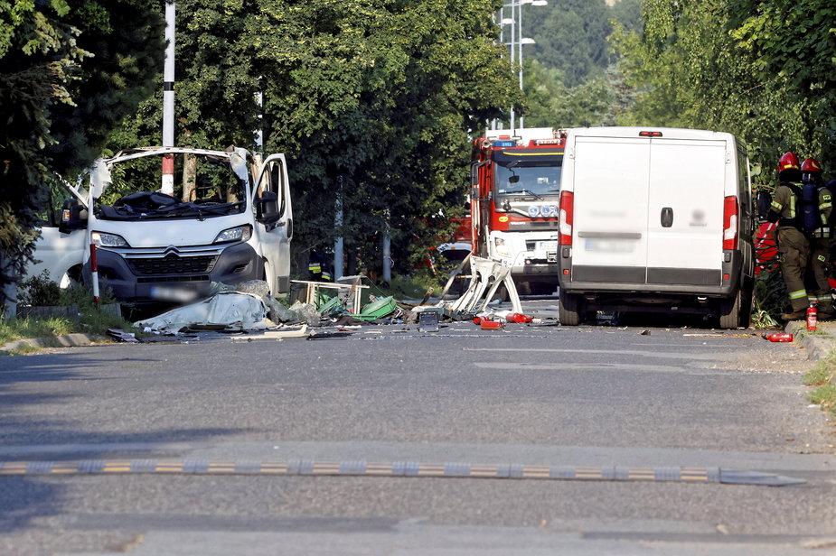 Miejsce wybuchu samochodu dostawczego przy ul. Wrocławskiej w Częstochowie