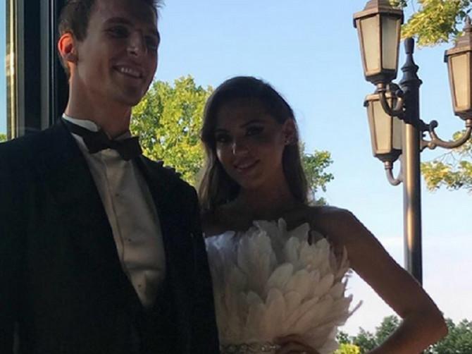 Šta su poznati nosili na venčanju Piksijeve ćerke? Bilo je pogodaka, a da li je neko KIKSNUO?