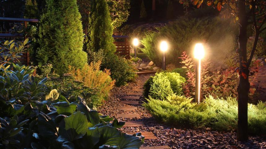 Oświetlenie Ogrodowe Jakie Kupić Podpowiadamy