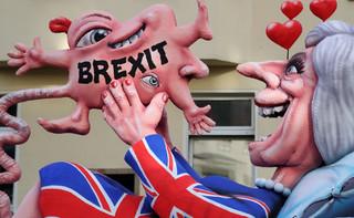 Izba Lordów sprzeciwia się premier: Chce utrzymania unii celnej z UE