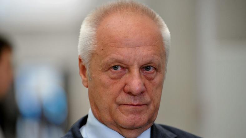 Niesiołowski: Dryblasy, a w środku mały Kaczyński