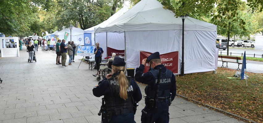 Tragedia w białym miasteczku w Warszawie! Ktoś próbował popełnić samobójstwo?