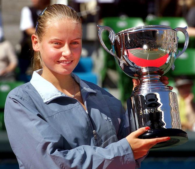 Jelena Dokić 2001. u Tokiju nakon osvajanja Princes kupa