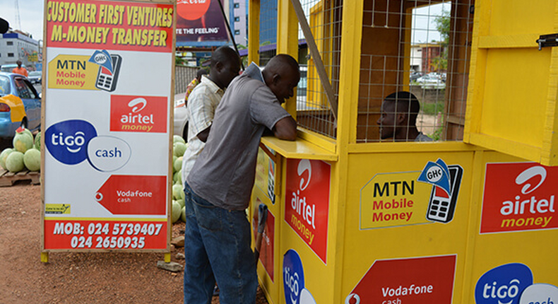 Ghanaians are using mobile money to remit funds more than cheques, report says