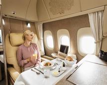 Boeing 777 linii lotniczych Emirates z nową pierwszą klasą